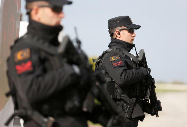 Τουρκία: Συλλήψεις 82 στρατιωτικών ως ύποπτων για σχέσεις με τον Γκιουλέν | tanea.gr