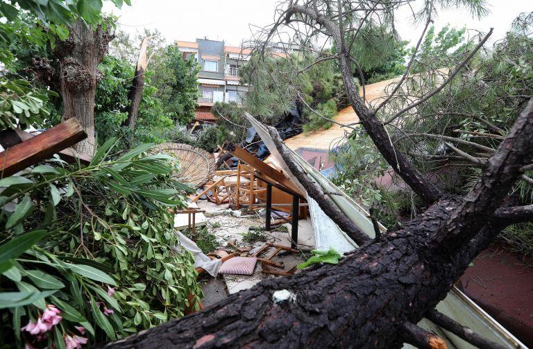 Από το ακραίο φαινόμενο στη Χαλκιδική έως τις δραματικές επιπτώσεις στις πόλεις | tanea.gr