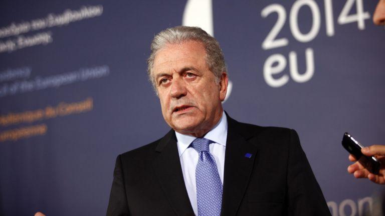 Αβραμόπουλος: Απαραίτητη η συνεργασία Τουρκίας – ΕΕ στο προσφυγικό | tanea.gr