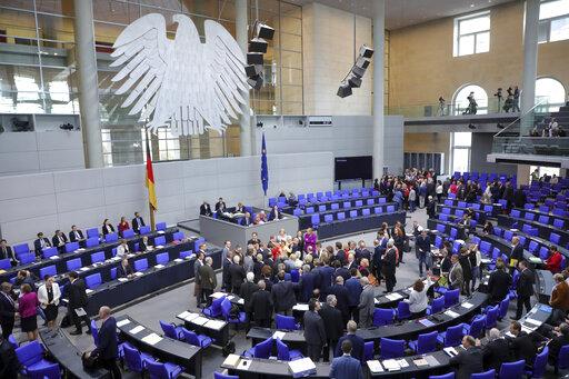 Γερμανία: Χριστιανοδημοκράτες και Πράσινοι ισοψηφούν στο 29% | tanea.gr