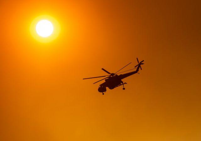Σύρος: Φωτιά καίει χόρτα κοντά στην Ποσειδωνία – Ισχυροί άνεμοι στην περιοχή | tanea.gr
