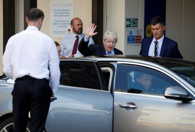 Brexit: Συναντήσεις Τζόνσον με Μακρόν και Μέρκελ   tanea.gr