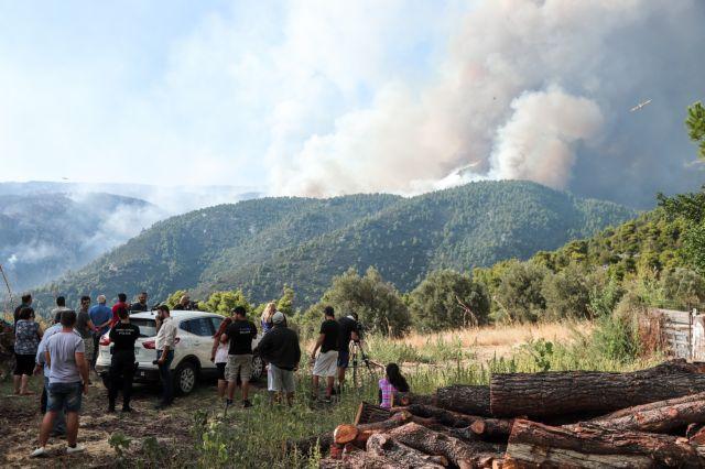 Εύβοια: Χτενίζει τα καμένα το κλιμάκιο εμπρησμών της Πυροσβεστικής | tanea.gr