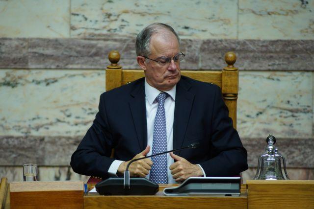Εξανέστη ο Τασούλας: Τσιγάρο τέλος στη Βουλή, κυρώσεις για τους παραβάτες | tanea.gr