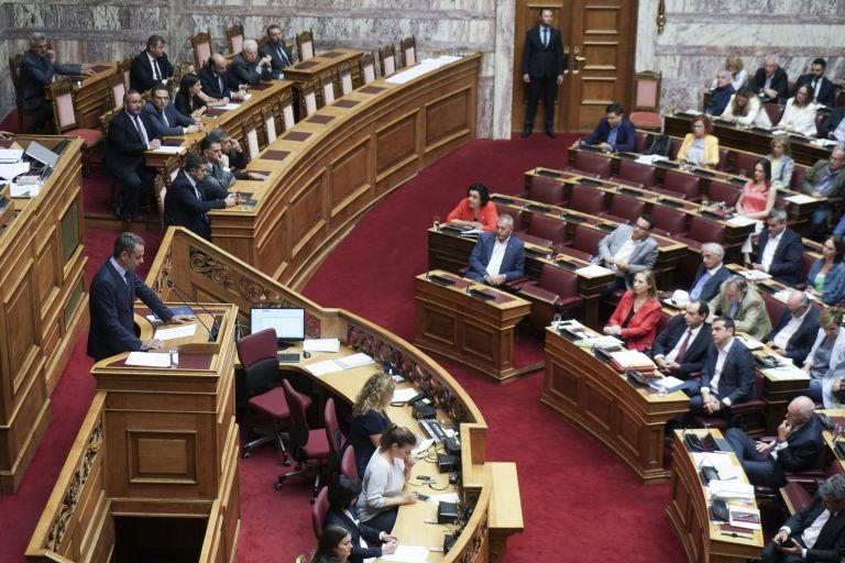 Μονομαχία Μητσοτάκη-Τσίπρα απόψε στη Βουλή για το διυπουργικό νομοσχέδιο | tanea.gr