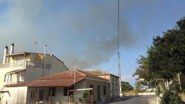 Κέρκυρα: Μεγάλη φωτιά στη Λευκίμμη – Εκκενώθηκαν δύο χωριά | tanea.gr
