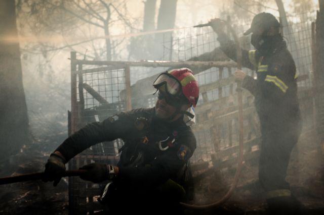 Μάχη με φωτιές και πλημμύρες για την Πυροσβεστική | tanea.gr