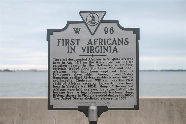 Η Αμερική επιστρέφει στο 1619 | tanea.gr