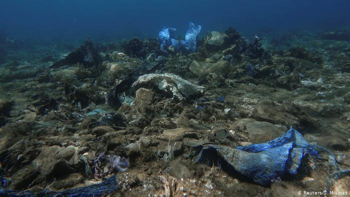 ARD: Τα πλαστικά σκουπίδια στο βυθό της Άνδρου | tanea.gr
