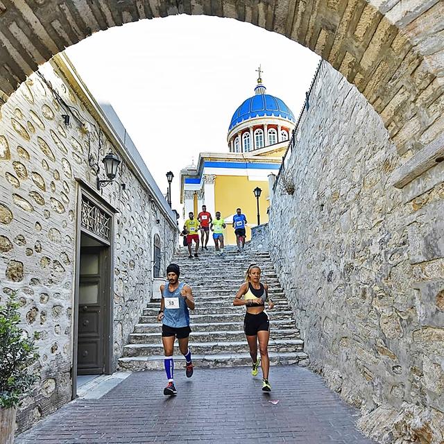 5.000 σκαλιά στα σοκάκια της Ερμούπολης | tanea.gr