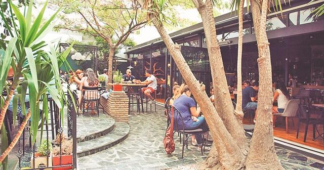Theory Bar & More   tanea.gr