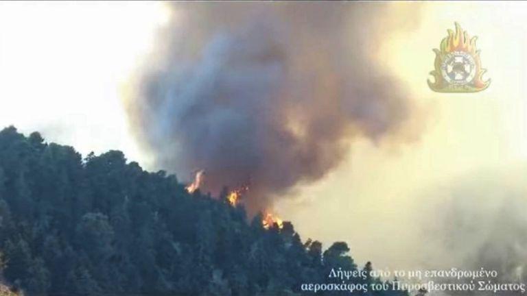 Νέες εικόνες που κόβουν την ανάσα από το drone της Πυροσβεστικής   tanea.gr