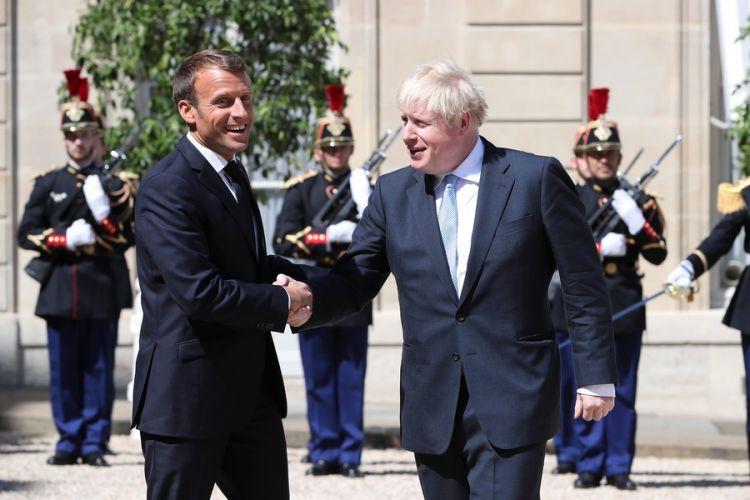 Μακρόν προς Τζόνσον: Η τύχη της Βρετανίας είναι στα χέρια σας | tanea.gr