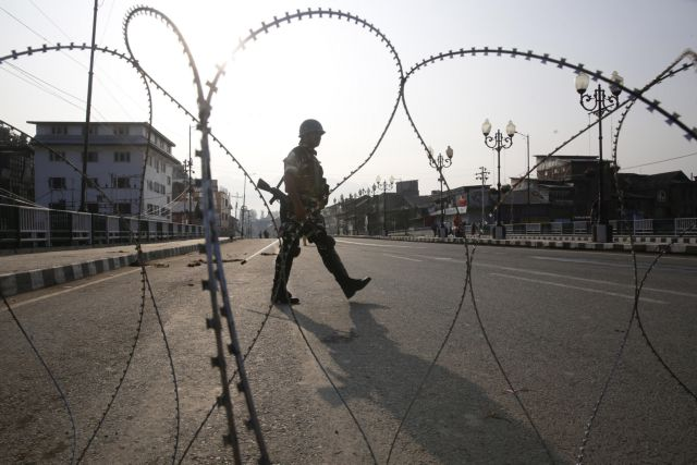 H Ινδία καταργεί την αυτονομία του Κασμίρ | tanea.gr