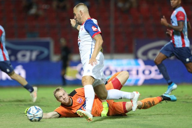 Ιστορική νίκη του Βόλου στη Νέα Σμύρνη με 2-1 | tanea.gr