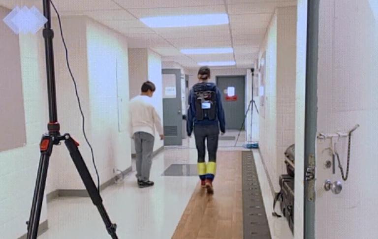 Δημιούργησαν ρομποτικό μπαστούνι για άτομα με κινητικά προβλήματα | tanea.gr