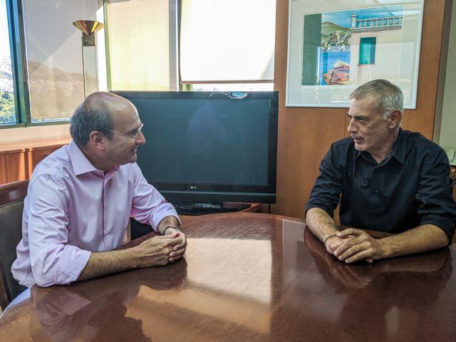 Συνάντηση Χατζηδάκη – Μώραλη για τα θέματα του Πειραιά | tanea.gr