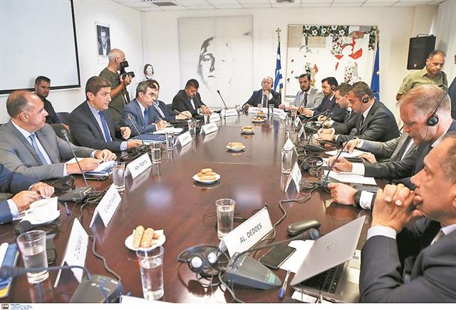 Διαφωνίες στη σύσκεψη κορυφής και «άδειασμα» στον Πετρ Φούσεκ | tanea.gr