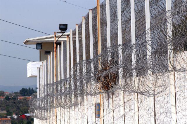 Συμπλοκές δεκάδων κρατουμένων στις φυλακές Αυλώνα | tanea.gr