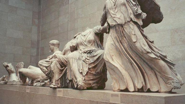 «Αγαπητοί Ελληνες, τα Γλυπτά ανήκουν στο Βρετανικό Μουσείο»   tanea.gr