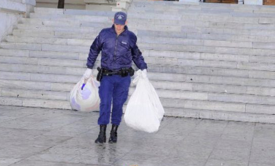 Νέα επιχείρηση της ΕΛΑΣ κατά του λαθρεμπορίου τσιγάρων στην ΑΣΟΕΕ   tanea.gr