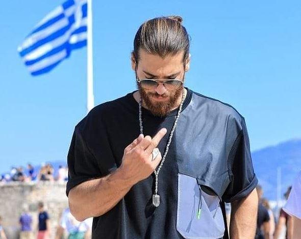 Τζαν Γιαμάν: Τι απαντά για την χειρονομία στην Ακρόπολη   tanea.gr