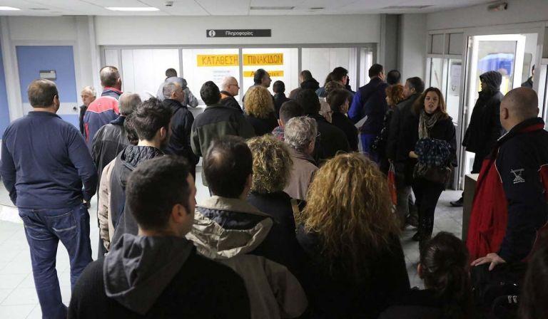 Ταλαιπωρία τέλος: Δείτε πώς θα ψηφιοποιηθούν οι υπηρεσίες των ΔΟΥ | tanea.gr