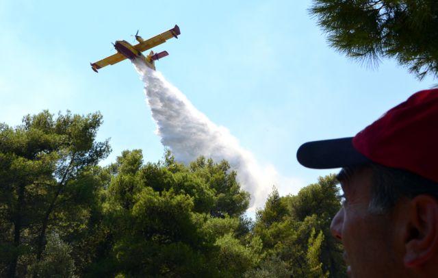 Σε ύφεση η φωτιά στο Λαγονήσι – Πέρασε ανάμεσα στις αυλές των σπιτιών   tanea.gr