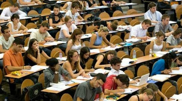 Έρευνα ΟΟΣΑ: Περισσότεροι απέκτησαν πρόσβαση στην τριτοβάθμια εκπαίδευση στις χώρες - μέλη | tanea.gr