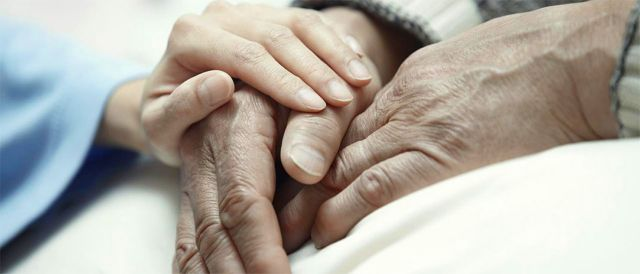 Ολλανδία: Αθωώθηκε γιατρός που έκανε ευθανασία σε ασθενή με Αλτσχάιμερ   tanea.gr