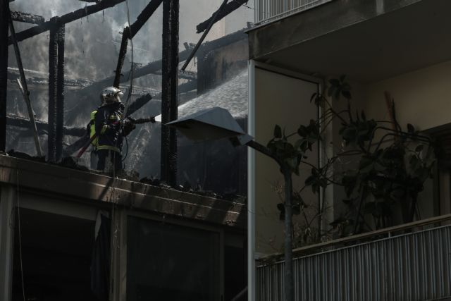 Με σοβαρά εγκαύματα απεγκλωβίστηκε ηλικιωμένη από φλεγόμενο διαμέρισμα | tanea.gr