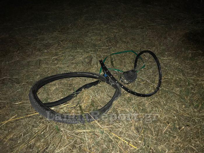Λαμία: Συγκίνηση στο μνημόσυνο του 14χρονου που σκοτώθηκε ενώ έκανε ποδήλατο | tanea.gr