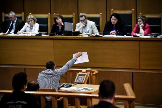 Δίκη Χρυσής Αυγής: Προκλητικές απολογίες – Χωρίς τέλος οι αντιφάσεις | tanea.gr