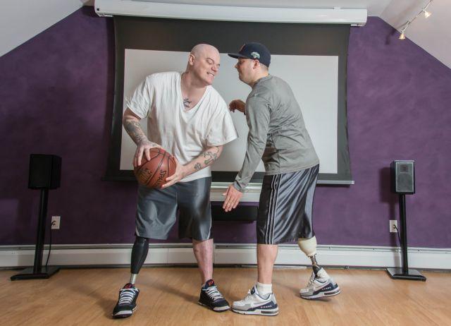 «Βιονικό πόδι»: Άνθρωποι αποκτούν ξανά αισθήσεις στο προσθετικό μέλος τους | tanea.gr