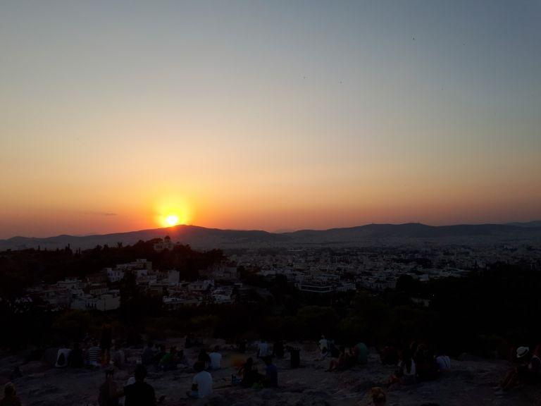 Φύλαγε τα ρούχα σου για να έχεις τα μισά επιτάσσει το πλανητικό σκηνικό   tanea.gr