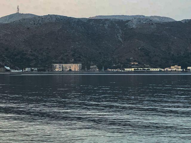 Λέρος: Δείτε τι έκλεψαν από τη βάση του Πολεμικού Ναυτικού | tanea.gr