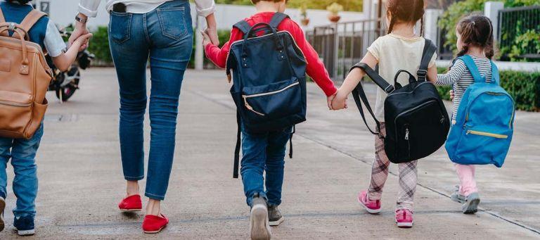 Τι να προσέξετε όταν διαλέγετε σχολική τσάντα για το παιδί σας | tanea.gr