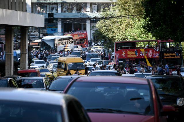 Κυκλοφοριακό χάος στους δρόμους λόγω της απεργίας   tanea.gr