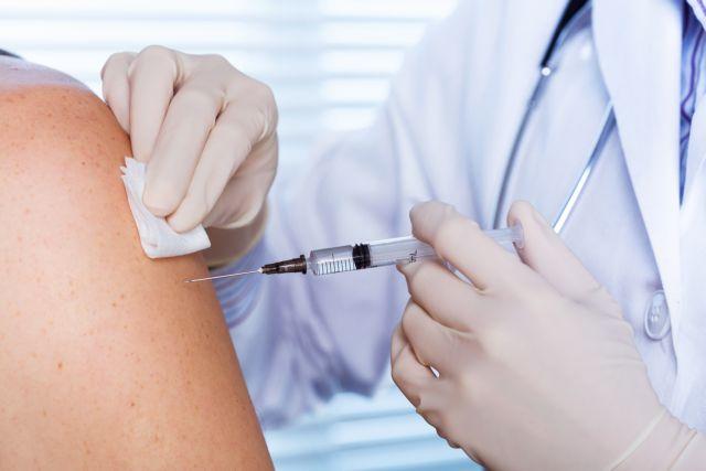 Έκκληση από τον ΕΟΔΥ για εμβολιασμό των ευπαθών ομάδων κατά της γρίπης | tanea.gr