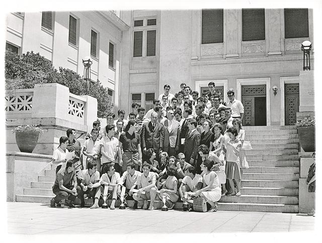 100 χρόνια ΑΣΟΕΕ - Δώδεκα υπουργοί Οικονομικών στα έδρανά της | tanea.gr
