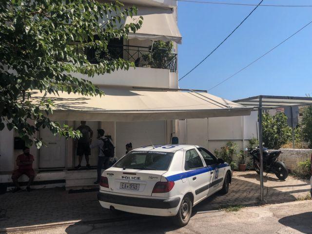 Tραγωδία στα Γλυκά Νερά: Το ροτβάιλερ δάγκωσε το βρέφος στην κούνια | tanea.gr