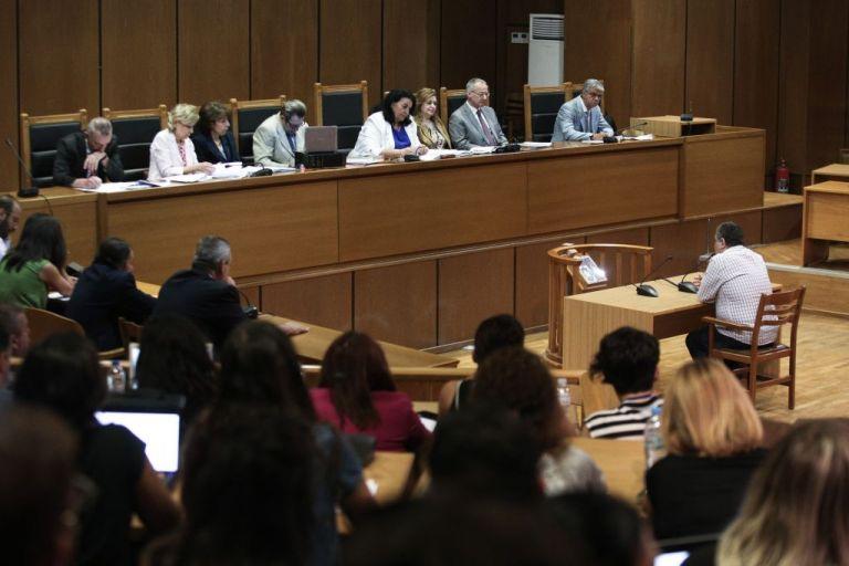 Δίκη Χ.Α.: Απολογία Πυρηνάρχη Περάματος: Δεν πείραξα κανέναν | tanea.gr