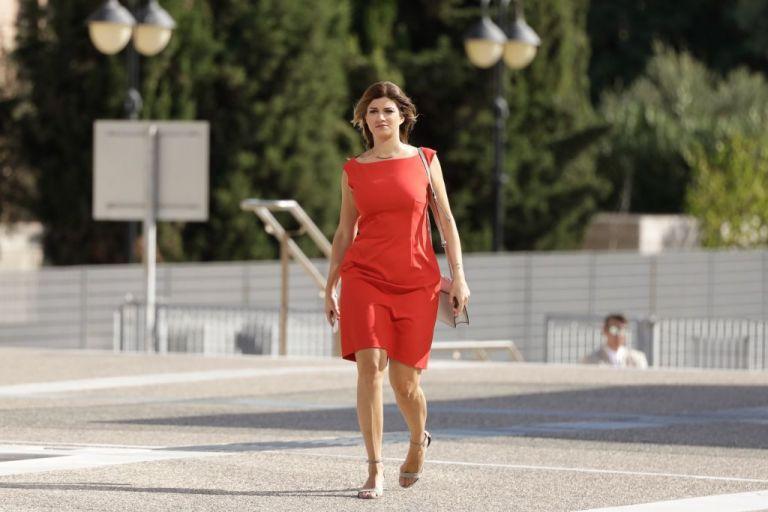 Τσίπρας σε Νοτοπούλου: «Στα κόκκινα σε βλέπω σήμερα» | tanea.gr