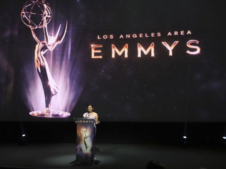 Emmy: Μάικλ Ντάγκλας, Άντζελα Μπάσετ και Τζίμι Κίμελ θα απονείμουν βραβεία   tanea.gr