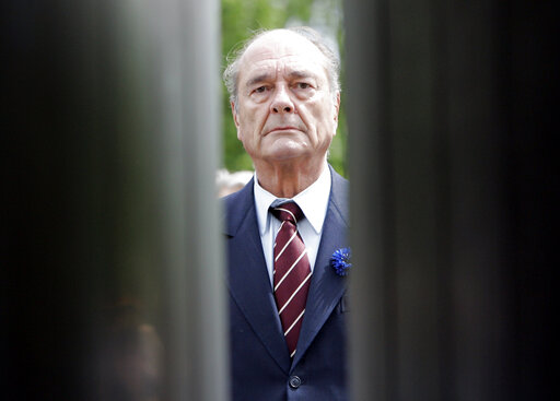 Ζακ Σιράκ : Σε λαϊκό προσκύνημα η σορός του εκλιπόντος προέδρου   tanea.gr