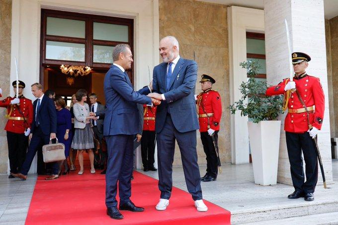 Εκκληση Τουσκ να αρχίσουν οι ενταξιακές συνομιλίες με Β. Μακεδονία και Αλβανία | tanea.gr