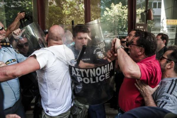 Με παρέμβαση Γεωργιάδη σταμάτησε ο πλειστηριασμός πρώτης κατοικίας οικογένειας   tanea.gr