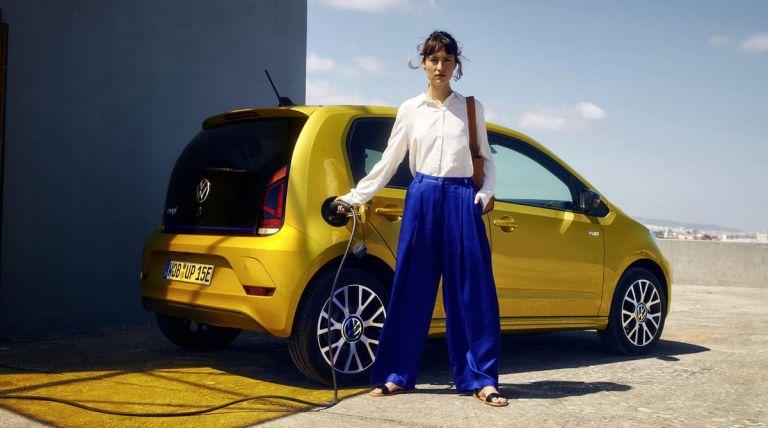 Πόση αυτονομία προσφέρει το ανανεωμένο, ηλεκτρικό VW e-up! | tanea.gr