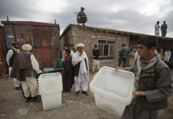 Αφγανιστάν : Υπό τον φόβο επιθέσεων και νοθείας οι εκλογές   tanea.gr