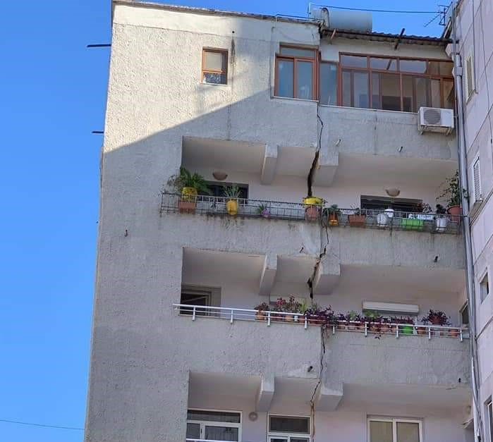 Ο Ευθύμης Λέκκας για τους δύο σεισμούς στην Αλβανία | tanea.gr